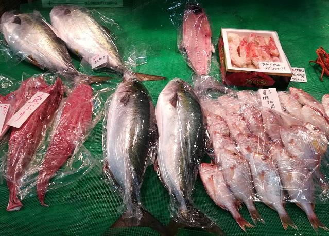 福岡「柳橋連合市場」の魚屋さん