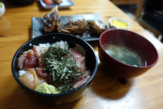 福岡・柳橋連合市場「吉田鮮魚店」の定食