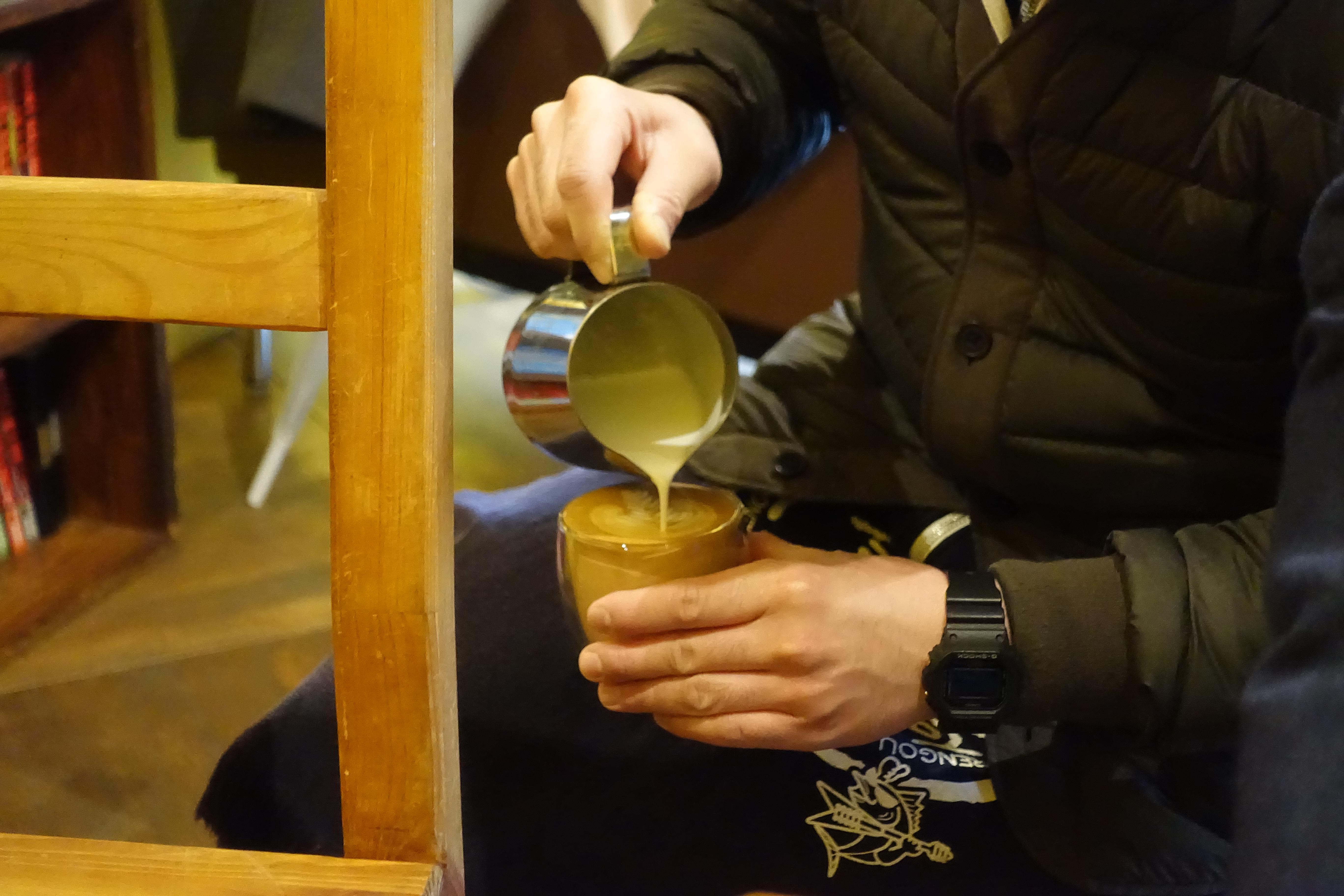 柳橋連合市場・manucoffee(マヌコーヒー)