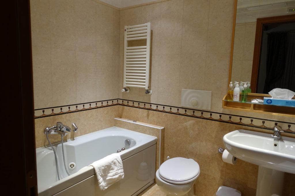 HOTEL Abbazia(ホテル アッバツィア)のバスルーム