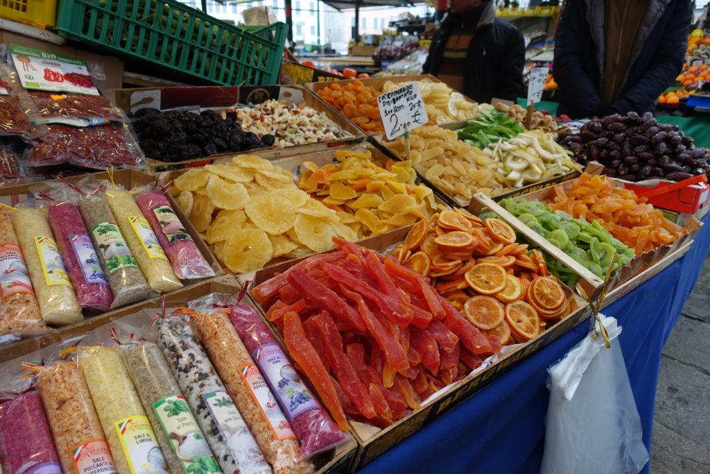 ヴェネツィア魚市場のドライスイーツ