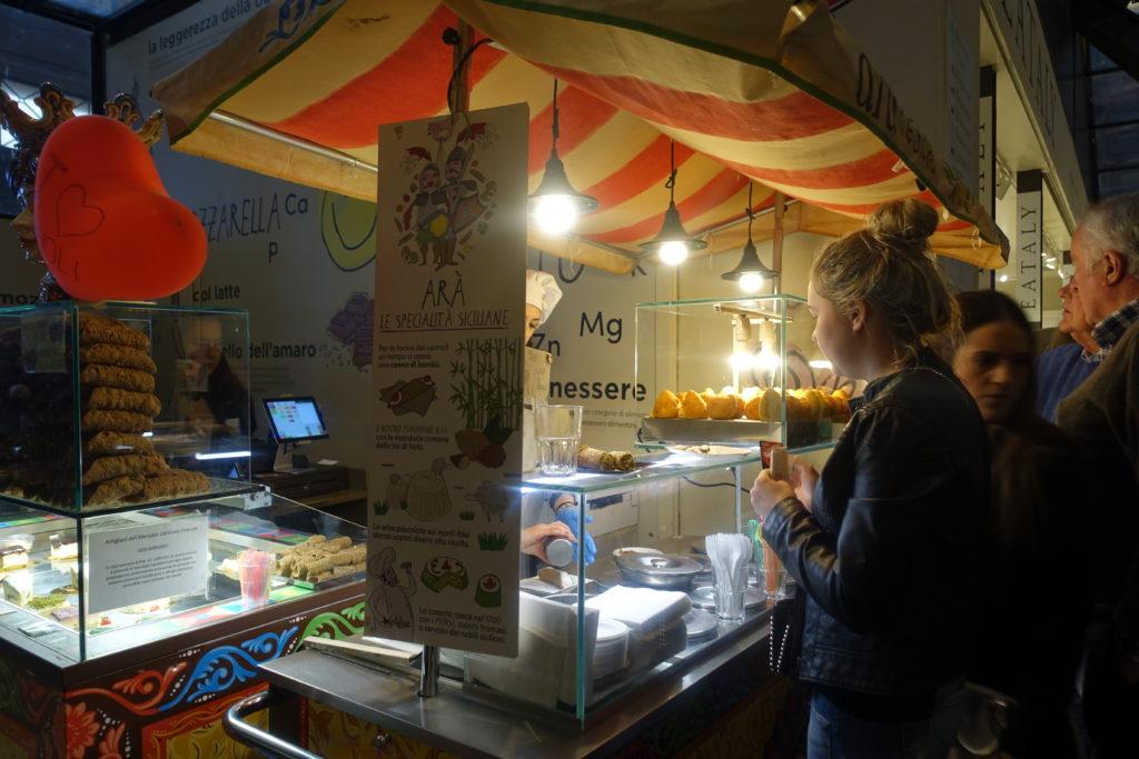 フィレンツェ中央市場の屋台