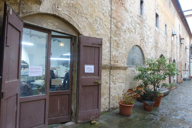 Scuola di cuoio Firenze(皮革職人専門学校)の入り口