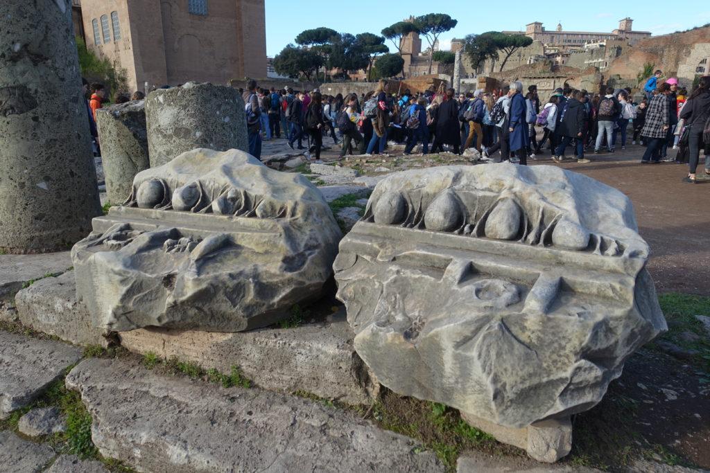 ローマ転がっている遺跡