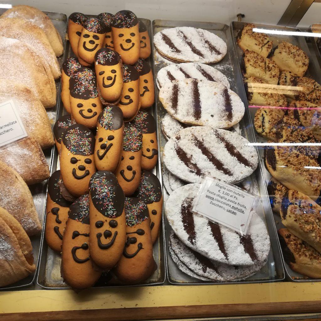 ローマのパンとクッキー