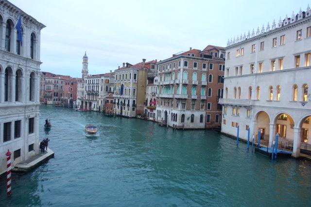 ヴェネツィア・リアルト橋からの景色