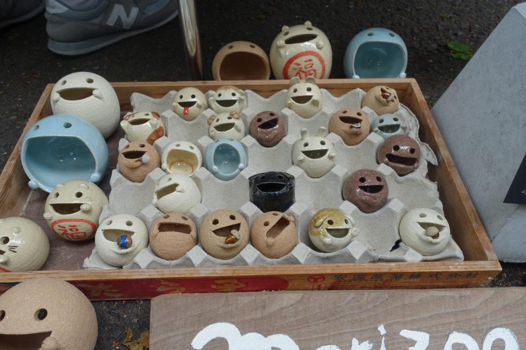 護国神社 蚤の市で販売されている商品