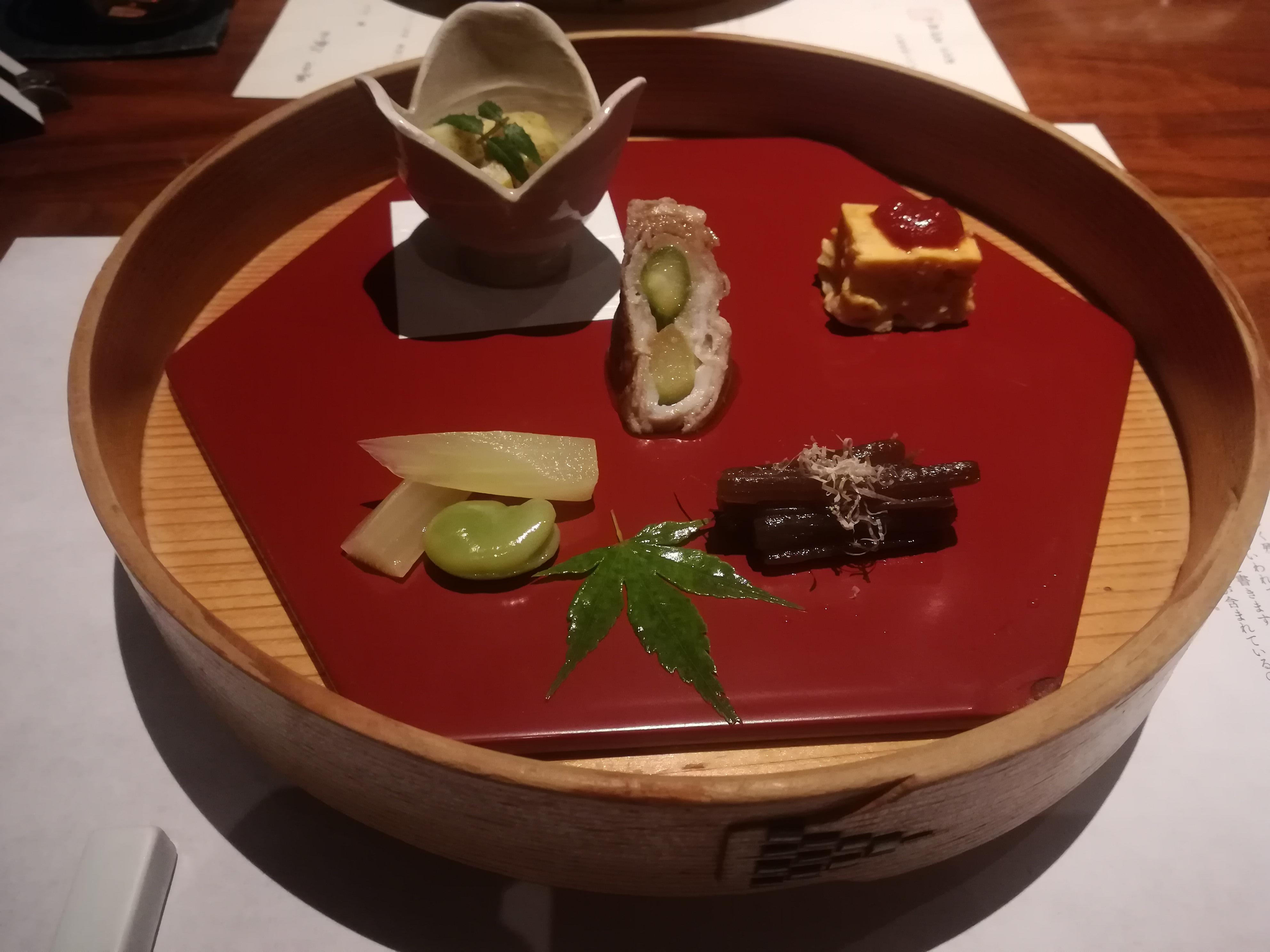 久原本家「レストラン茅乃舎」の前菜