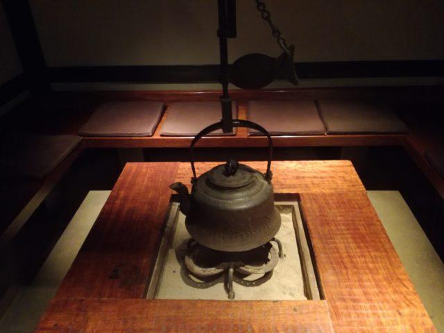 久原本家「レストラン茅乃舎」の暖炉