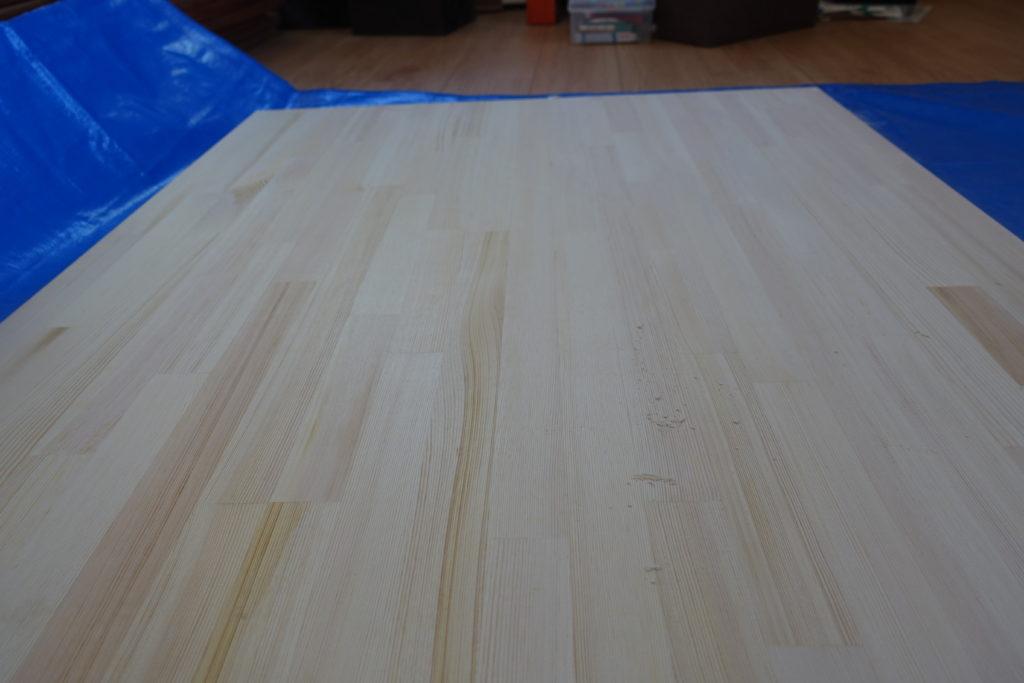 【初心者DIY】ホームセンターで購入したテーブルの天板(集合材)